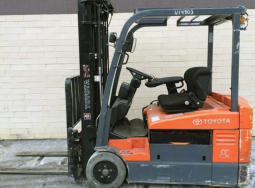 Xe nâng điện Toyota 7FBCU20