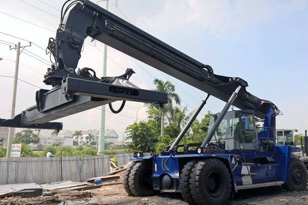 reachstacker-40-ton