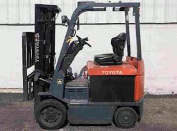 Xe nâng điện Toyota 2,5 tấn