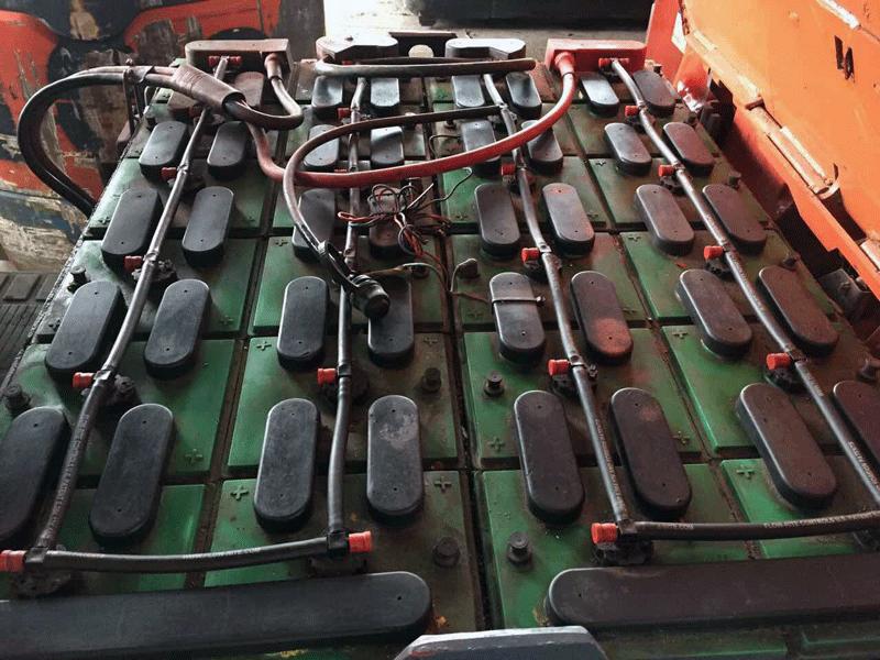 xe-nang-chui-container-2.5-tan