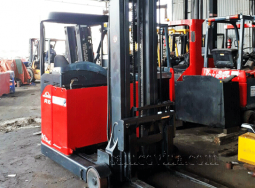 Reachtruck Linde R16 capacity of 1.6 tons, lifting 11m