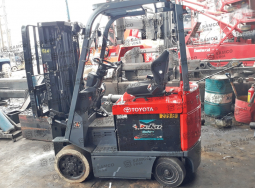 Selling or leasing 2.5 ton Toyota forklifts