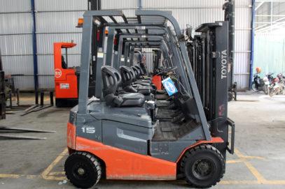 Xe nâng hàng sử dụng nhiên liệu chạy Dầu Diesel