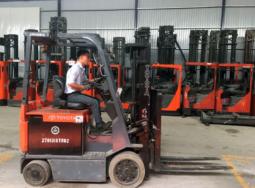 (Tiếng Việt) Xe nâng Toyota điện 2 tấn nhập khẩu Châu Âu